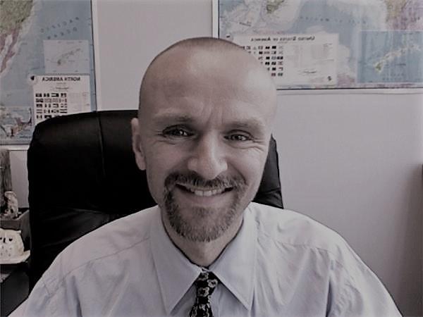 Simón Atkins (Cliente)